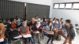 Sosialisasi dan Vaksinasi Masal Hepatitis B STIKES Wira Husada Yogyakarta Angkatan 2011