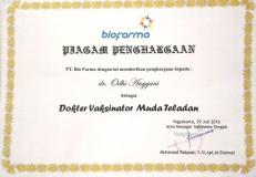 piagam_penghargaan_biofarma_kepada_dr_odhi